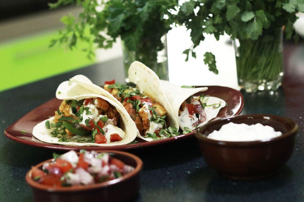 Fajita, csirkemell szendvics mexikói módraA