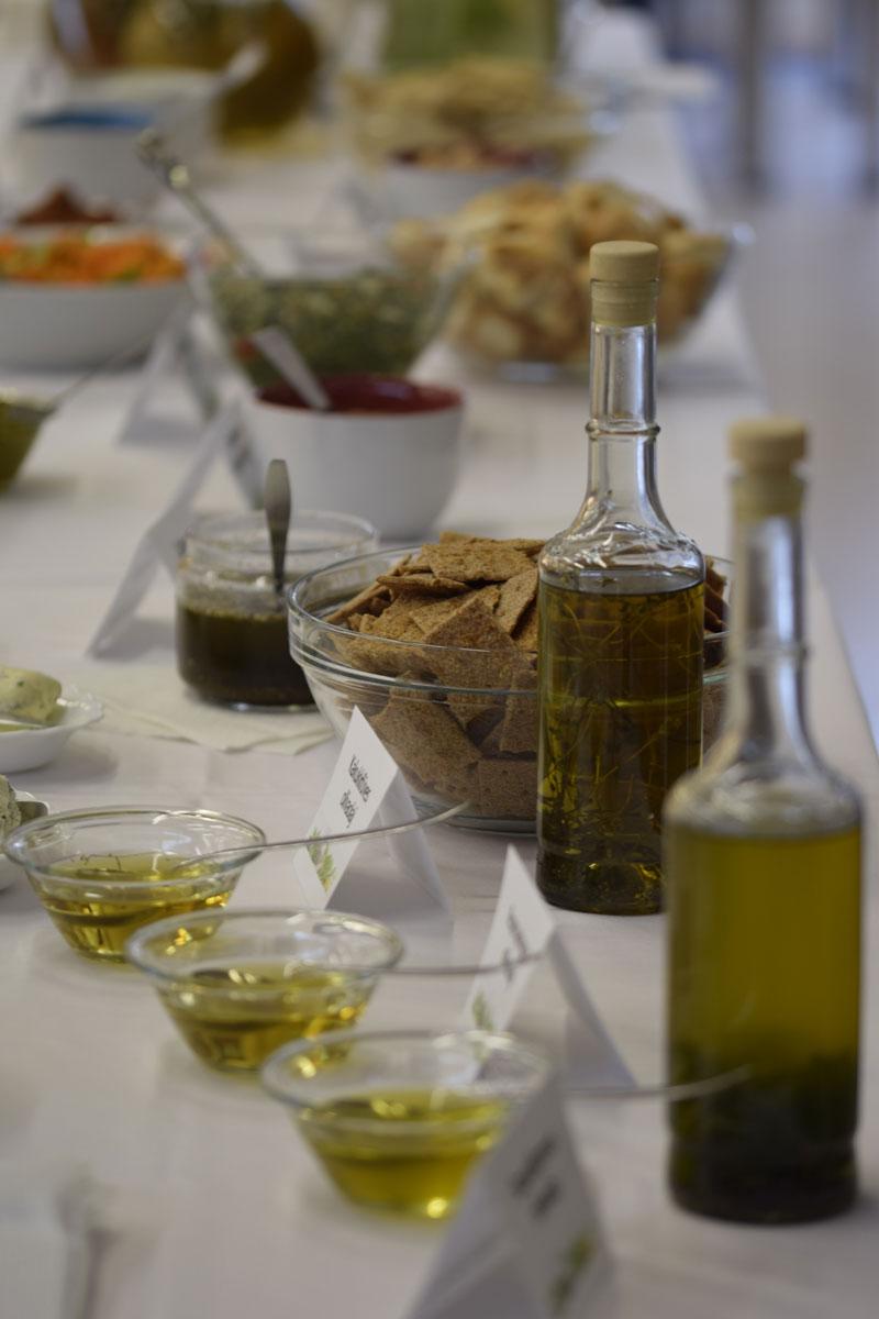Fűszeres olajok, vajak, krémek és saláták