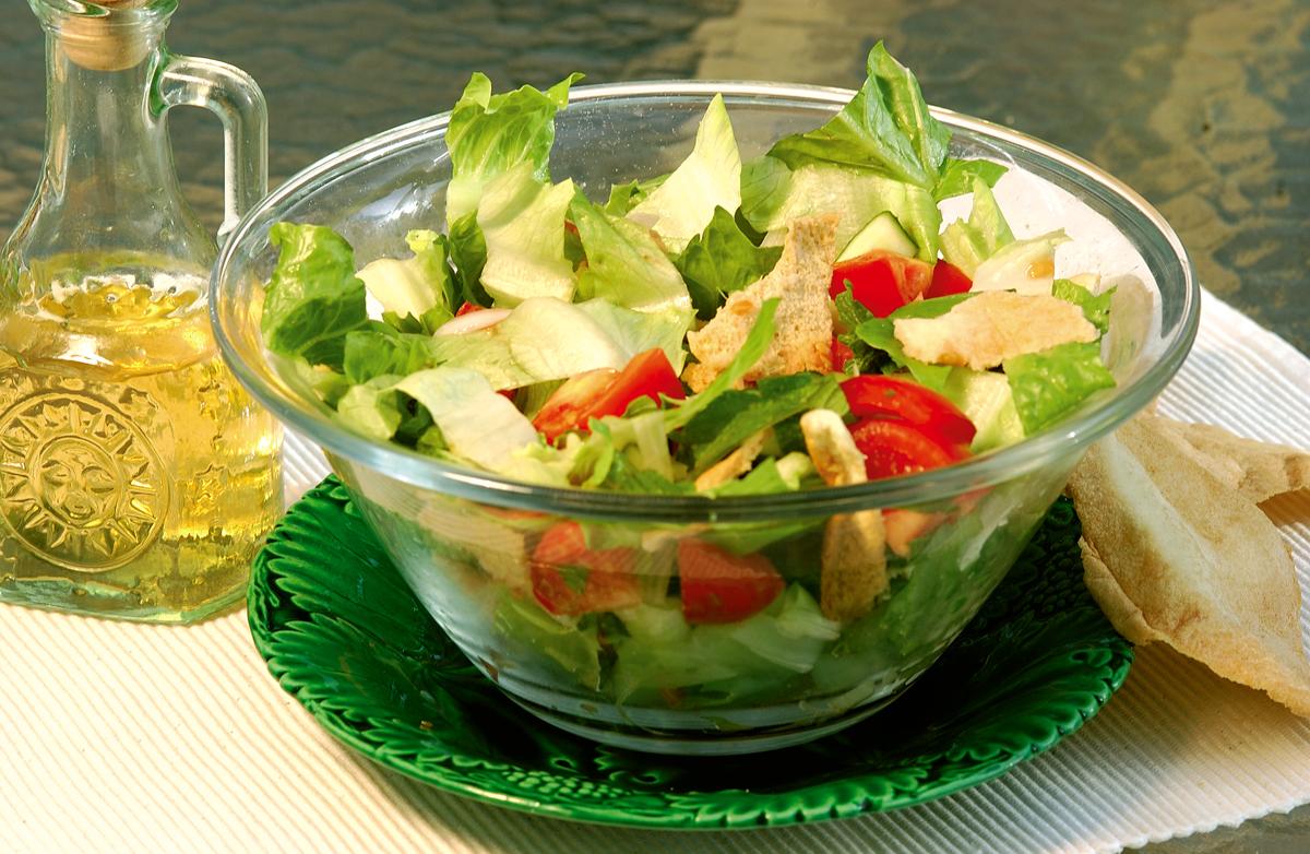 Saláta pirított pittával - fattoush