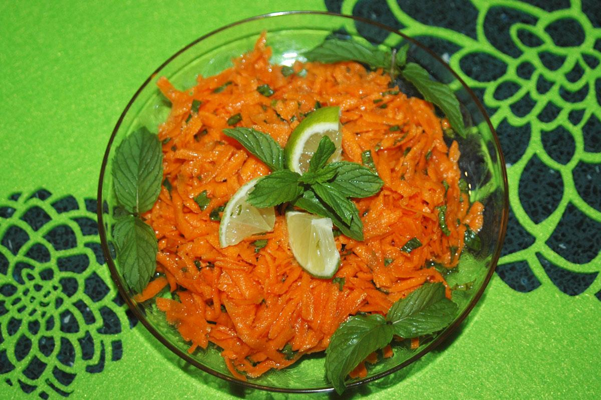 Mentás sárgarépa saláta