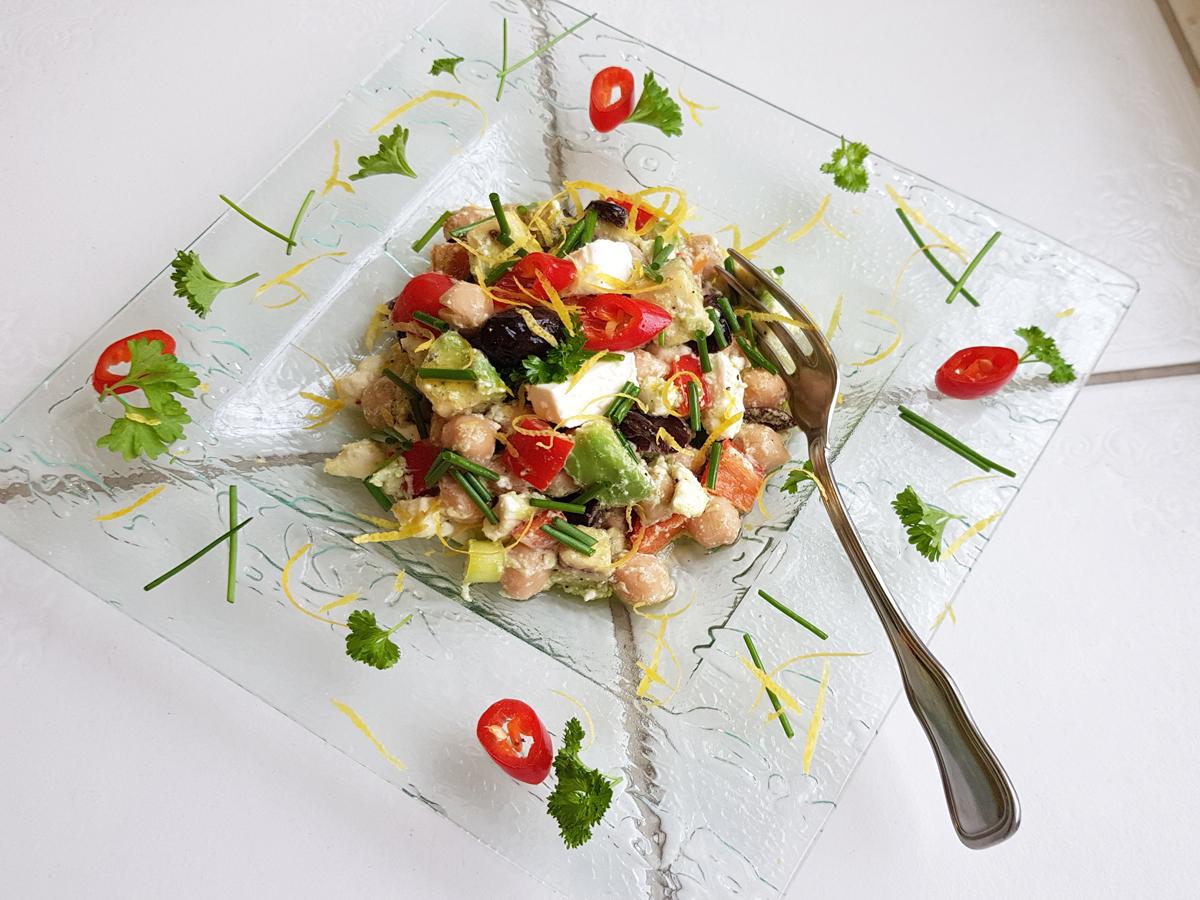 Avokádós, fetás csicseriborsó saláta