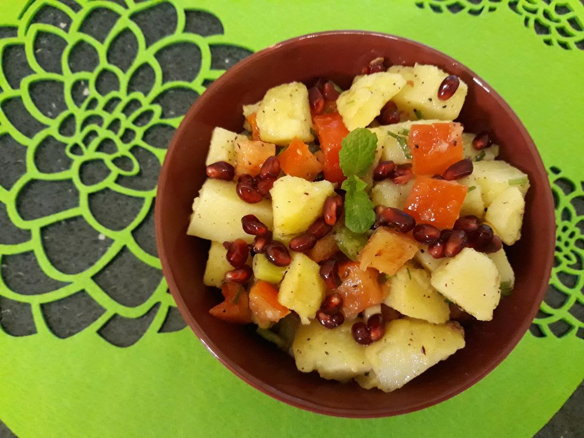 Fűszeres, gránátalmás burgonya saláta