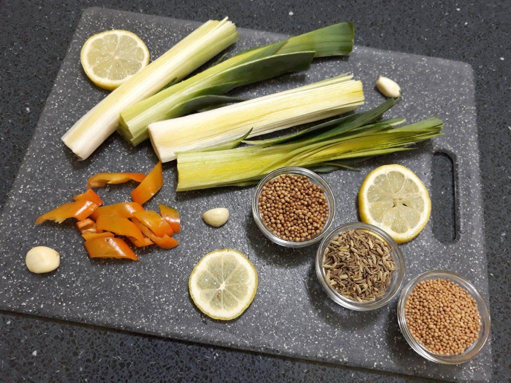 Citromos, fűszeres, savanyú póréhagyma hozzávalók